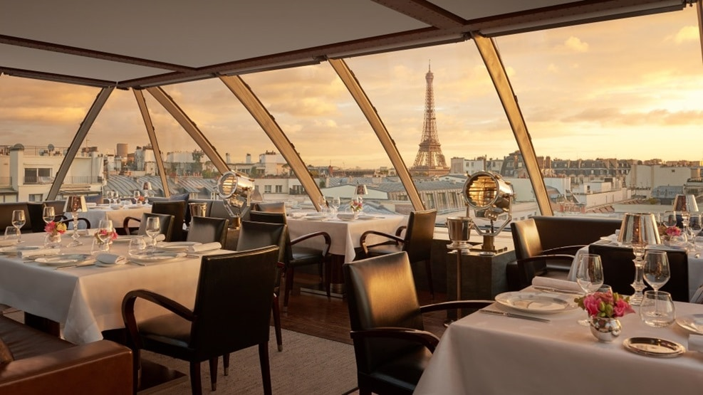L Oiseau Blanc Panoramic French Restaurant On The Peninsula Wins Its First Michelin Star Page 1 Of 0 Luxus Plus