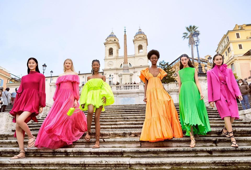 Paris Fashion Week : Valentino mise aussi sur le numérique pour sa Haute Couture
