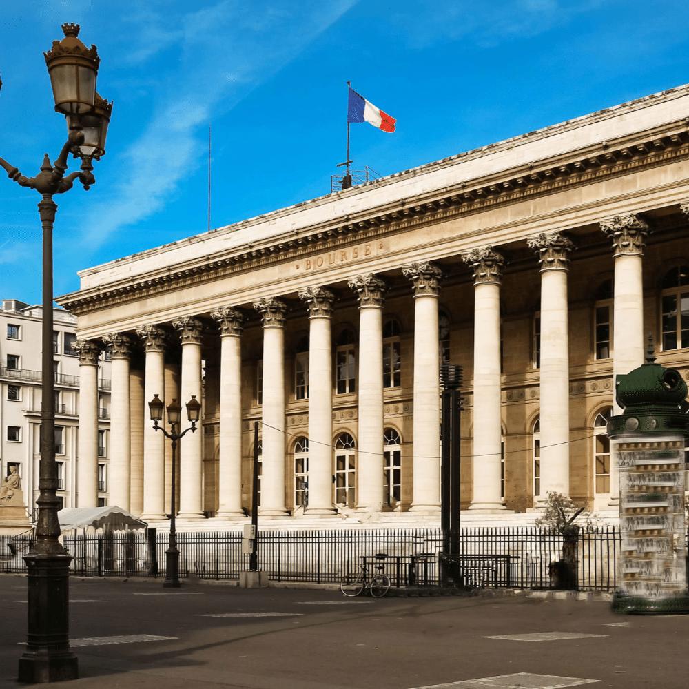 Bourse: léger repli à Paris et Londres, tandis que la Chine relance le luxe